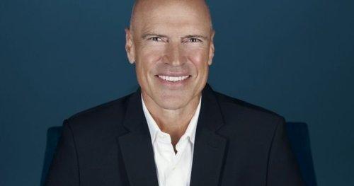 Hockey legend Mark Messier offers his views on leadership, success in new memoir   Globalnews.ca