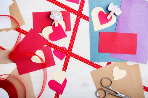 Valentine's Day 'punch wall': Easy crafts to make at home