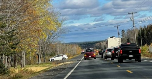 Miramichi hockey team involved in fatal bus highway collision on way to Fredericton game - New Brunswick   Globalnews.ca
