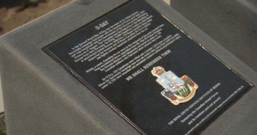 Plaques explaining Canada's wartime history unveiled at Regina cenotaph - Regina   Globalnews.ca