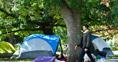 City of Toronto, police begin removing homeless from Trinity Bellwoods encampment