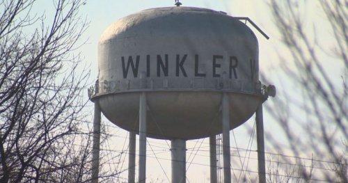 Winkler cops fielding angry calls on both sides of vaccine debate - Winnipeg | Globalnews.ca