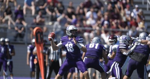 Western Mustangs football team bursts back onto the field with big victory - London   Globalnews.ca