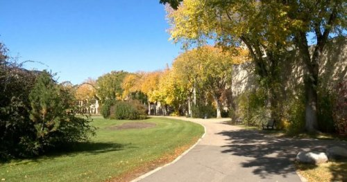 Saskatchewan residents can expect warm start, cooler end to fall, meteorologist says | Globalnews.ca