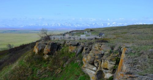 Firefighters called to grass fire at Alberta's Head-Smashed-in-Buffalo Jump World Heritage Site   Globalnews.ca