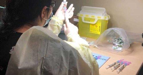 York Region to close some COVID-19 vaccine clinics due to lack of supply | Globalnews.ca