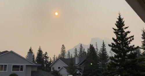 Banff preparing residents to evacuate as wildfire risk soars | Globalnews.ca