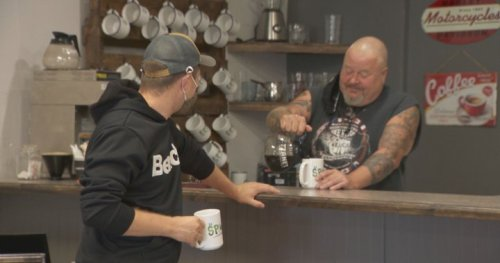 Pierrefonds 'pay-what-you-can' cafe offers coffee, meals for those in need - Montreal   Globalnews.ca