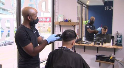 'It changes your perspective': Koreatown barber breaks down barriers, one cut at a time | Globalnews.ca