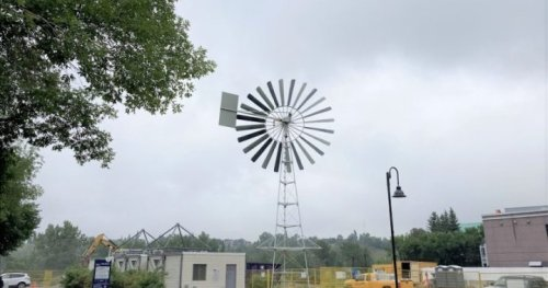 Windmill from Eau Claire splash park for sale as plaza redesign continues - Calgary | Globalnews.ca