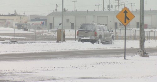 Southern Saskatchewan snowfall wreaks havoc on roads, highways