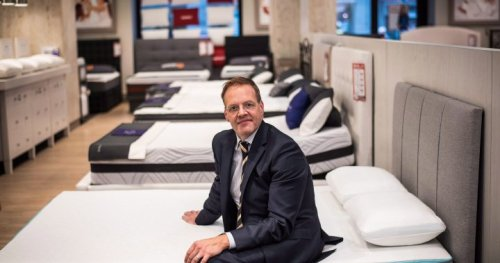 Sleep Country Canada buying weighted blanket company Hush Blankets - National | Globalnews.ca