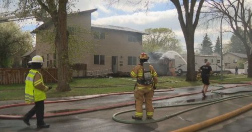 Fire breaks out at home in Edmonton's Parkdale neighbourhood