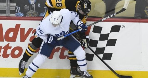O'Connor, Pettersson help Penguins rout Maple Leafs 7-1 | Globalnews.ca