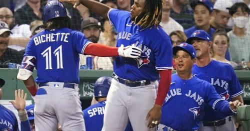 Toronto Blue Jays finally return to Rogers Centre to open 3-game set with Royals - Toronto   Globalnews.ca