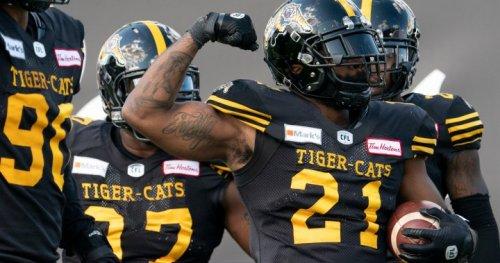 Stellar defensive effort leads Hamilton Tiger-Cats over Calgary Stampeders - Hamilton | Globalnews.ca