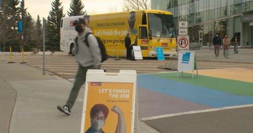 Protest at Calgary mobile vaccine clinic has nurses on edge - Calgary | Globalnews.ca