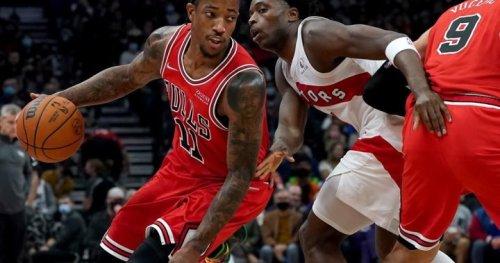 DeRozan powers Bulls past Raptors 111-108 | Globalnews.ca
