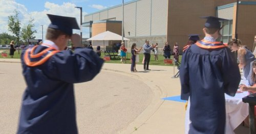 COVID-19: Regina 2021 high school graduation plans to look different due to ongoing pandemic