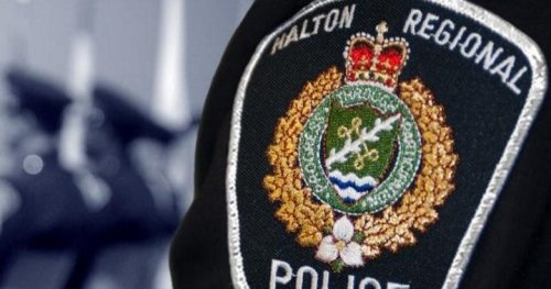 Child in critical condition after near-drowning at Burlington home swimming pool | Globalnews.ca