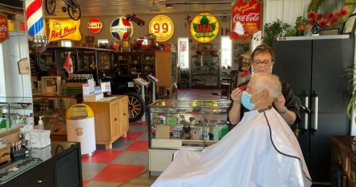 COVID-19 pivot: Alberta barber opens shop in 'the world's largest man cave'