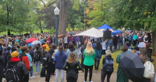 Queen's students walk out to protest sexual violence on campus - Kingston   Globalnews.ca