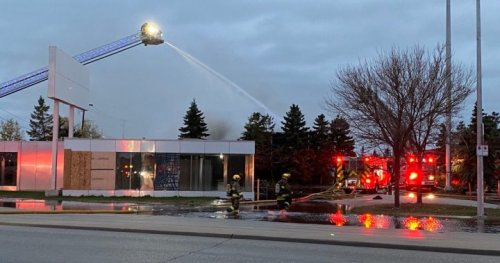 Notre Dame Avenue closed due to morning fire at former Nygard warehouse - Winnipeg | Globalnews.ca