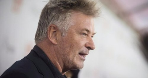 Woman killed by prop gun discharged by Alec Baldwin on New Mexico movie set: reports - National | Globalnews.ca