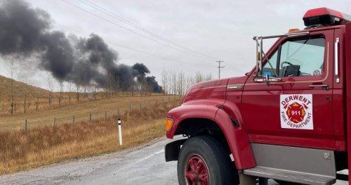 Industrial explosion left fire crews battling blaze at crude oil tank farm northeast of Edmonton - Edmonton | Globalnews.ca