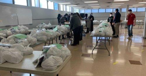 Edmonton mosque supports seniors during COVID-19 pandemic - Edmonton | Globalnews.ca