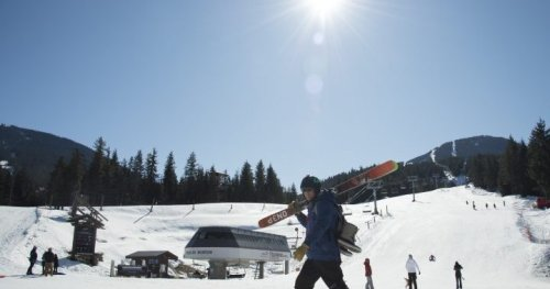 Canada's ski resorts brace for labour shortage this winter amid visa delays - National   Globalnews.ca