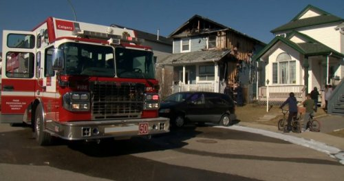 2 homes damaged in Calgary fire Friday afternoon