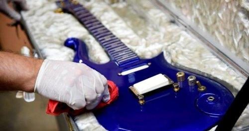 Weekly survey: Is guitar rock making a comeback? | Globalnews.ca
