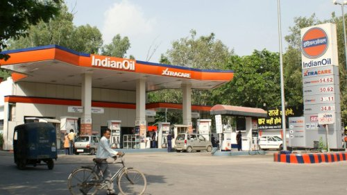 India's Gasoline Dilemma: Double Burden of Rising Prices and Soaring Demand
