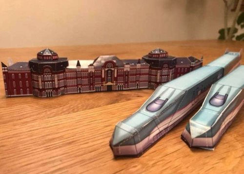 A Shinkansen for Everyone! JR East Provides Free Papercraft, Wallpaper for Japan Train Fans!