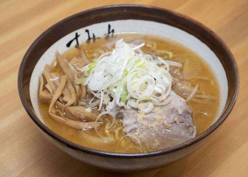 Sumire Nakanoshima Honten: Enjoying a Bowl of Traditional Sapporo Ramen!
