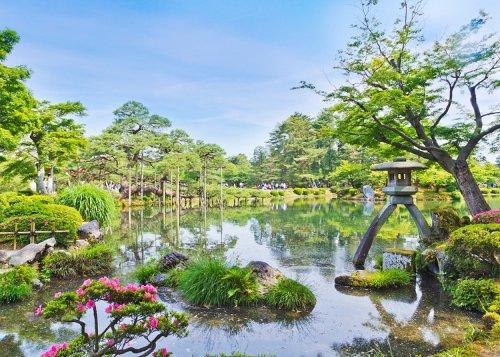10 Best Things to Do in Kanazawa: Kenroku-en Japanese Garden, Geisha District & More