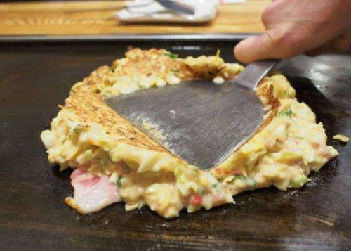 Okaru Osaka: This Humble Shop Locals Know Has The Best Osaka Okonomiyaki!