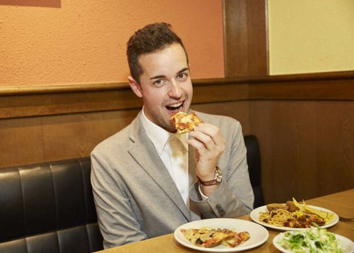 Just How Good is Japan's Pizza Buffet?! Italian Reviews Shakey's All-you-can-eat Menu!
