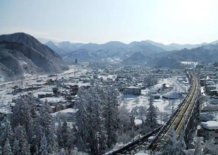Takahan Ryokan: Enjoy Spectacular Hot Spring Views at Yuzawa's Premier Traditional Inn!