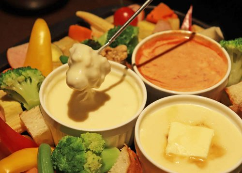 All-You-Can-Eat Cheese Fondue?! Incredible Value Lunches at Tokyo Ikebukuro's 'The Life Table'