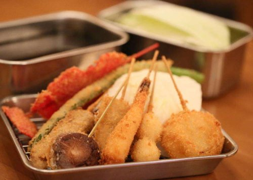 A Guide to Must-Eat Local Cuisine When Visiting Osaka