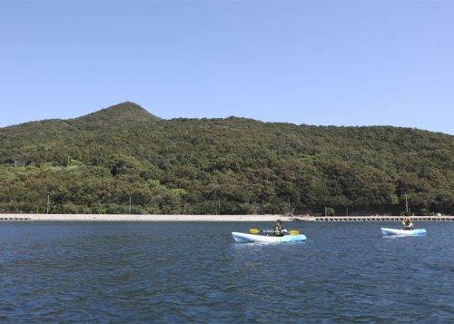Kayak to an uninhabited island in the Seto Inland Sea, near Kagawa