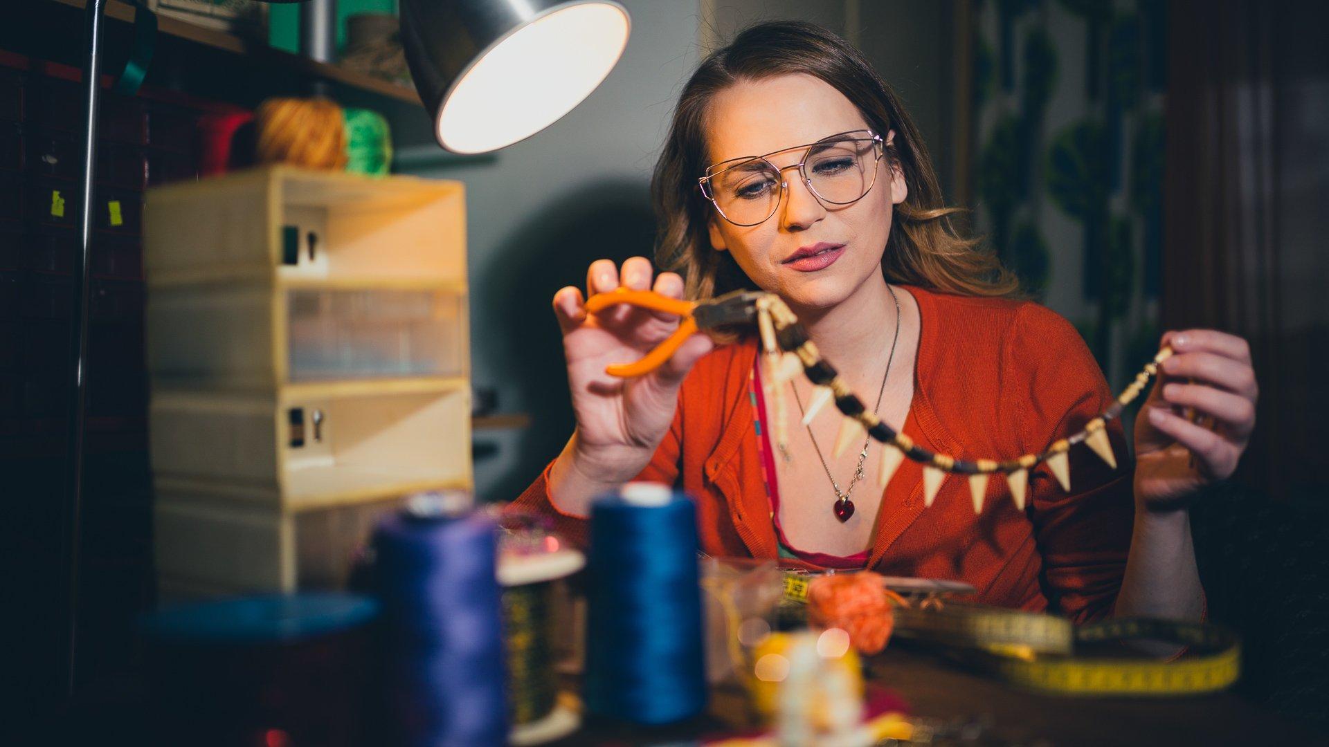 11 Best Lucrative Side Hustle Ideas: Earn More