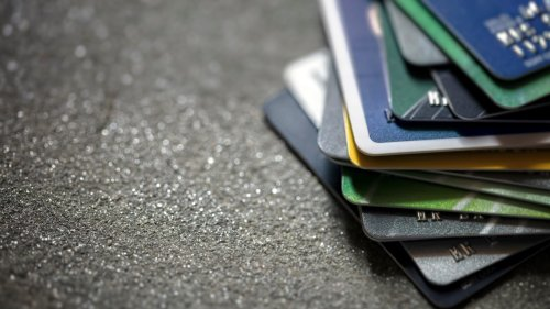 Banks Plan to Start Issuing Credit Cards to People With No Credit