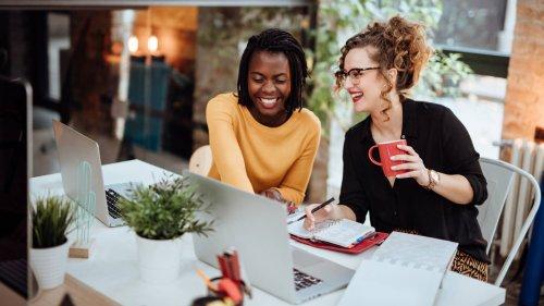 Modern Money Etiquette: Should You Pay a Friend Who Does You a Professional Favor?