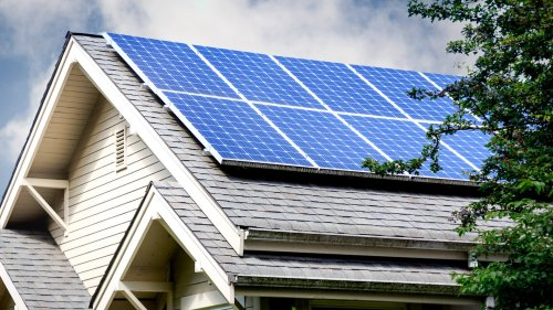Here Comes the Sun: 10 Solar Stocks on the Rise