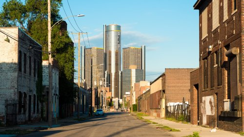 40 Cities in Danger of a Housing Crash This Year — Is Yours on the List?