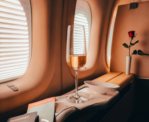 """Opinion: Airlines Should Offer """"Upsell"""" Wine"""