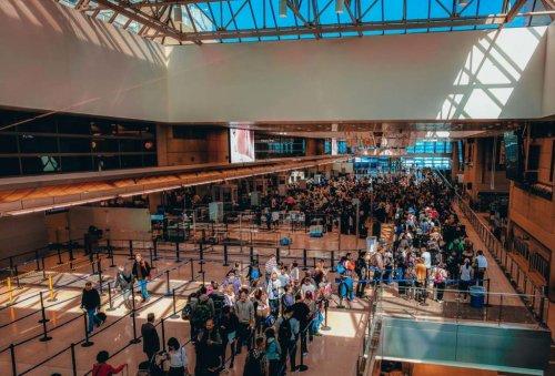 Fail: TSA Says It's Still Banning Full Sized Sunscreen And Made An Error | God Save The Points